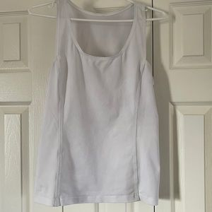 Rare lululemon tank top, check out the back 🥰🔥🔥